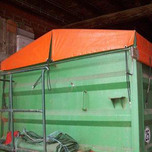 Maßgeschneiderte Flachplane als Containerabdeckung