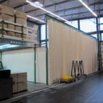 Plane als Trennung und Unterteilung von Industriehallen