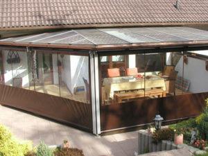 Terrassenplane für Sicht- und Windschutz