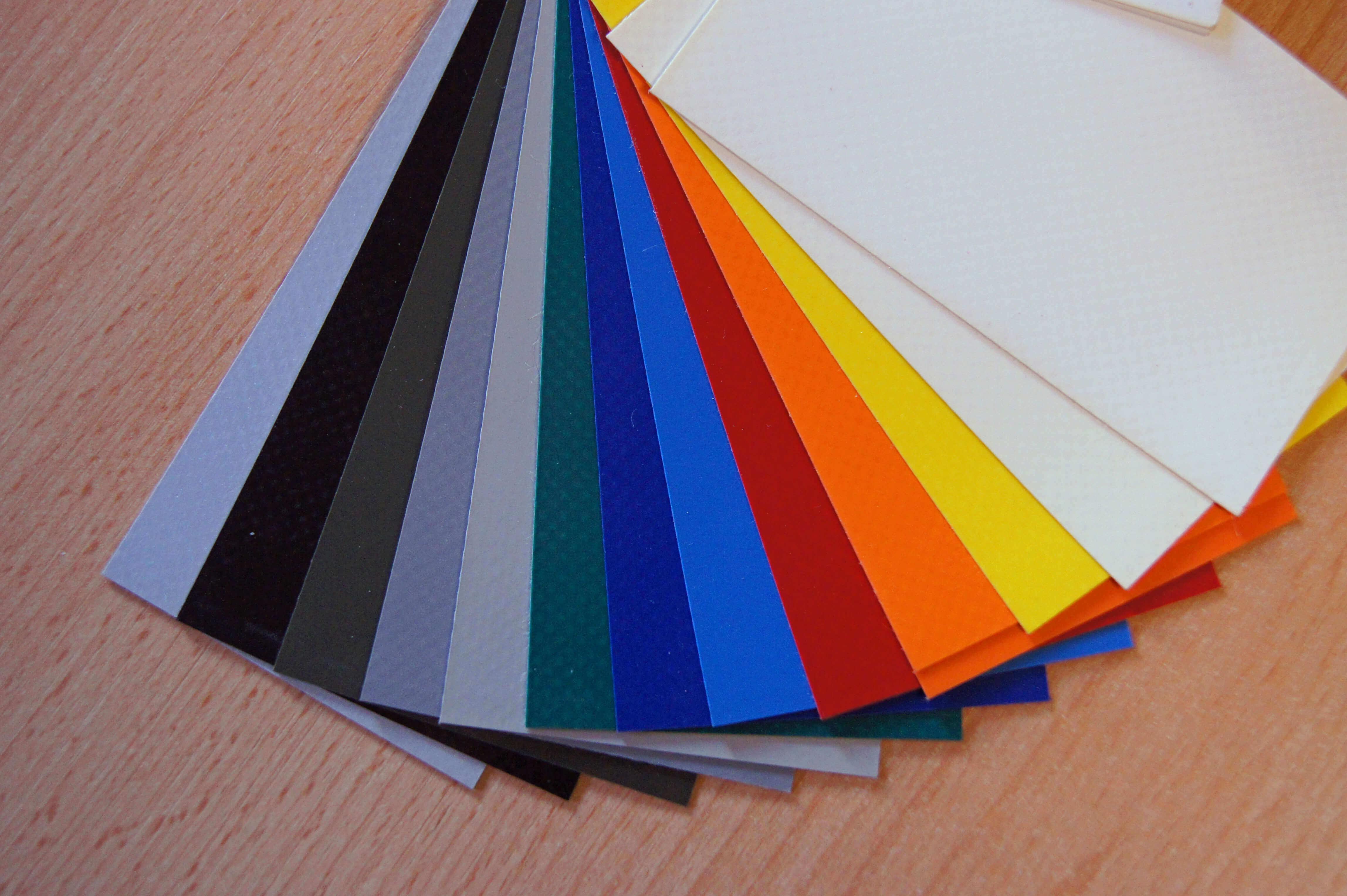 14 Farbvarianten der Standard PVC Plane